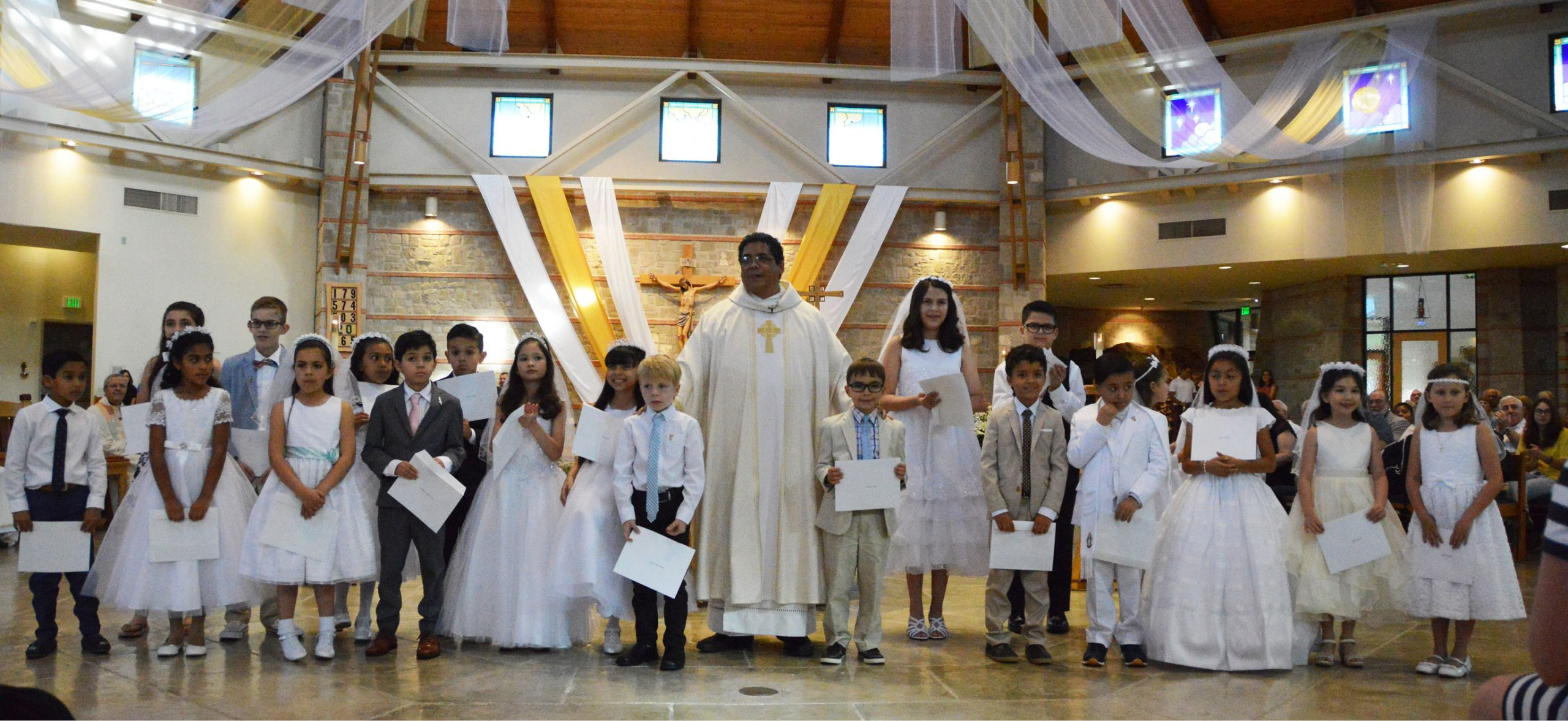 First-Communion-Group-2019-scaled