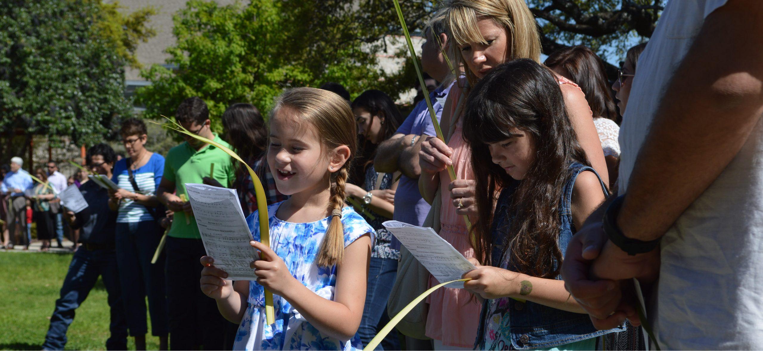 Palm-Sunday-Girls-Singing-scaled